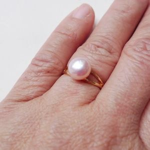 June22 Jewelry - Eulalia off white cultured pearl solitaire ring